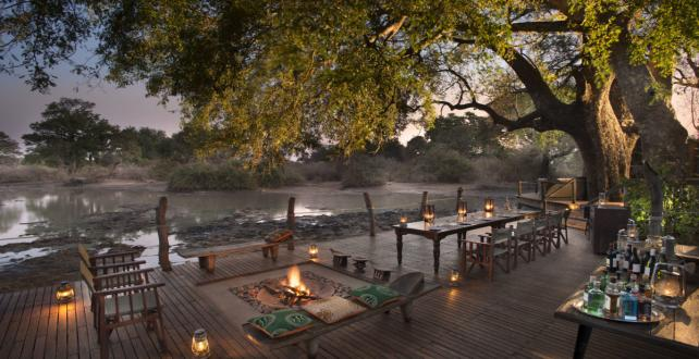 Safari Trip Ideas: 5 Day / 4 Night Mana Pools National Park Fly-in Safari  ..
